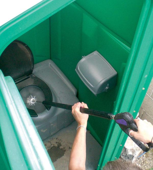 Siirrettävän WC puhditus mosmatic kanavanpesupäällä
